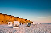 Strandkörbe am Strand, Rotes Kliff, Kampen, Sylt, Nordfriesland, Schleswig-Holstein, Deutschland