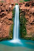Mooney Falls, USA, Amerika, Vereinigte Staaten, Arizona, Grand Canyon Nationalpark, Tal, Canyon, Fluss Wasserfall, Felsen, Tuffs