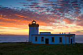 Duncansby Head, Great Britain, Scotland, Europe, sea, coast, lighthouse, daybreak, sunrise, clouds