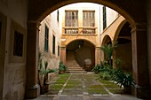 Can Dameto de la Quartera XVI-XVII century, courtyard, Historic Center, Palma Mallorca, Balearic Islands, Spain