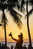 Hawaii, Hawaiian, Honolulu, Waikiki Beach, Kuhio Beach Park, Hyatt Regency Hula Show, free event, audience, watching, Pacific Ocean, woman, dancer, palm trees, sunset.