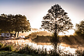 Morning light along the river Hamme, Neu Helgoland, Worpswede, Teufelsmoor, Lower Saxony, Germany
