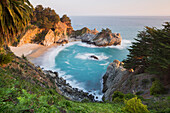 McWay Falls, McWay Cove, Julia Pfeiffer Burns State Park, California