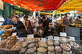 Boroughs Market, Bread,   Gourmet Food, London United Kingdom