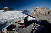 The Planura Hut, Huefi Glacier in the background and on the right Hinter Spitzalpelistock, where the wind makes the biggest glacial pothole of the Alps, Glarus Alps, cantons of Glarus and Uri, Switzerland
