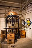 Historische Abfüllanlage in Maisel's Brauereimuseum Bayreuth, Bayreuth, Franken, Bayern, Deutschland, Europa