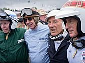 John Surtees (L), Tony Brooks (2.v.L), Sir Stirling Moss (2.v.R), Sir Jackie Stewart, Jim Clark Parade, Goodwood Revival, Rennsport, Autorennen, Classic Car, Chichester, Sussex, England, Großbritannien
