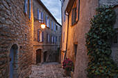 lane, alley in the old town, Forcalquier, town, Alpes-de-Haute-Provence, Provence, France, Europe