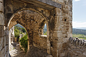 archway of the castle ruins, Saturnin-les-Apt, village near Apt, Luberon mountains, Luberon, natural park, Vaucluse, Provence, France, Europe