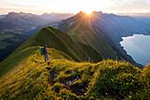 Wanderung mit Biwak auf dem Hardergrat, Brienzer See, Berner Oberland, Schweiz