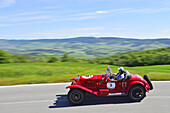 O.M. 665 S MM Superba 1927, Oldtimer, on the road the Tuscan landscape, Oldtimer, Racing cars, Mille Miglia, 1000 Miglia, 2014, 1000 Meilen, near Radicofani, Tuscany, Italy, Europe