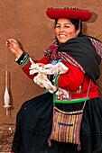 South America, Peru, Cuzco region, Urubamba Province, Chinchero, El Balcon del Inca association, weaving center, Luz Inti