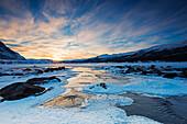 Vereister Fluss im Abisko National Park, Schweden, Skandinavien, Europa