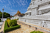 Stupa in the Royal Palace, in the capital city of Phnom Penh, Cambodia, Indochina, Southeast Asia, Asia