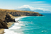 La Pared surf beach and the Parque Natural Jandia mountains beyond on the southwest coast, La Pared, Fuerteventura, Canary Islands, Spain, Atlantic, Europe
