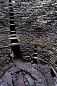 Hollow walls and water tank, Mousa Broch, best preserved of all brochs, standing 12-13 m high, in perfect state, due to its isolation, Mousa Island, Shetland Islands, Scotland, United Kingdom, Europe