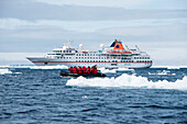 Zodiac dinghy excursion for passengers of expedition cruise ship MS Hanseatic (Hapag-Lloyd Cruises), Weddell Sea, Antarctic Peninsula, Antarctica