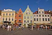 Raekoja Plats (Town Hall Square), Old Town of Tallinn, UNESCO World Heritage Site, Estonia, Baltic States, Europe