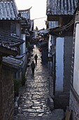 Cobbled streets of Lijiang Old Town, UNESCO World Heritage Site, Yunnan Province, China, Asia