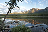 Early morning light at Pyramid Lake, Jasper National Park, UNESCO World Heritage Site, British Columbia, Rocky Mountains, Canada, North America