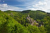 Oberburg and Niederburg castles, near Manderscheid, Eifelsteig hiking trail, Vulkaneifel, Eifel, Rhineland-Palatinate, Germany
