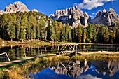 Lake Lago Antorno in autumn, reflection of  Cadini di Misurina, Belluno, Veneto, South Tyrol, Alto Adige, UNESCO world heritage side, Italy, European Alps, Europe