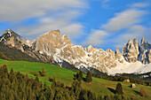 Dawn at alpine meadow under snow covered Rosengarten, Catinaccio, St. Zyprian, Tiers, Tiers Valley, Nature Park Schlern-Rosengarten, Dolomites, South Tyrol, Alto Adige, UNESCO world heritage side, Italy, European Alps, Europe