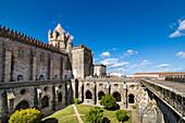 Cloister, cathedral, Evora, Alentejo, Portugal