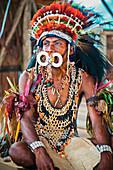 Sing-Sing performer at Milne Bay Canoe Festival, Tufi, Milne Bay Province, Papua New Guinea