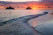 'Sunrise at Lanikai Beach; Kailua, Island of Hawaii, Hawaii, United States of America'