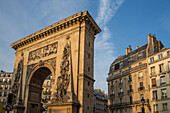 triumphal arch, porte saint denis on the rue du faubourg saint-denis, 10th arrondissement, paris (75), ile-de-france, france