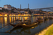 the luiz i bridge is one of the most emblematic bridges in porto. its construction was based on the project of a belgian engineers who was a disciple of eiffel. it has two stories, one for the metro and the other for all types of vehicles. spectacular vie