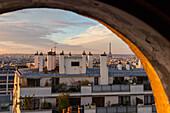 toits et cheminees de paris, quartier des abbesses pres du sacre coeur, rue veron, paris (75), france