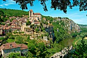 Europe, France, Lot, Saint Cirq Lapopie village overlooking a meander of the Lot