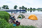 Boat on the river, Camping along the river Elbe, Family bicycle tour along the river Elbe, adventure, from Torgau to Riesa, Saxony, Germany, Europe