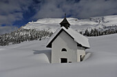 Chapel on the Plaetzwiese, Nat. Parque Fanes, Sennes, Prags, Dolomites, South Tyrol, Italy