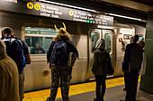 New York Subway, train at rush hour, Manhattan, New York City, USA, America