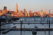 Hudson River, Midtown, Empire State Building, Manhattan, New York, USA