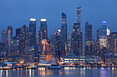 Skyline of Midtown, Hudson River, Manhattan, New York, USA