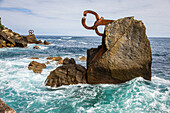 wind comb, sculpture by edouardo chillida and the architect luis pena ganchegui, san sebastian, donostia, basque country, spain