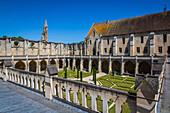 the cloister and its garden, royaumont abbey, asnieres sur oise, (95) val d'oise, ile de france