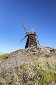 Windmill in Fiskebäckskil, Island Skaftö, Bohuslän, Västergötland, Götaland, South Sweden, Sweden, Scandinavia, Northern Europe, Europe