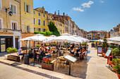 Street restaurant at Place des Cadeurs, Aix-en-Provence, Bouches-du-Rhone, Provence-Alpes-Cote d'Azur, France