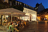 Cafe on Frauenplan, Goethe National Museum at dusk, Weimar, Thuringia, Germany