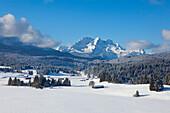 View from the Buckelwiesen near Kruen to Zugspitz range with Alpspitze, Zugspitze and Waxenstein, Bavaria, Germany