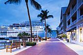 USA, Florida, Florida Keys, Key West, cruiseship, Key West Seaport, dawn.