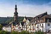 Timbered houses and parish church St. Martin in the picturesque village of Cochem, Rhineland-Palatinate, Germany, Europe