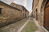 Ainsa mediaeval village, Sobrarbe, Huesca Pyrenees, Aragón, Spain.