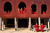 Myanmar (Burma), Shan State, Shwe Yan Pye, Shwe Yan Pye monastery, novices awaiting the first religious service of the morning