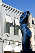United States, California, Los Angeles, Beverly Hills, Rodeo Drive, entitled Torso statue of the artist Robert Graham
